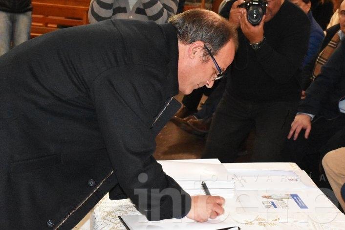 Con importante presencia política se firmó el pacto de Padua