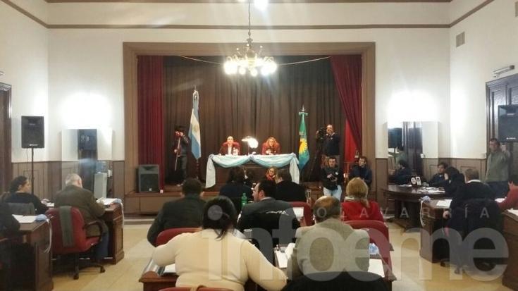 Concejales piden a diputados tratar aumentos en servicios