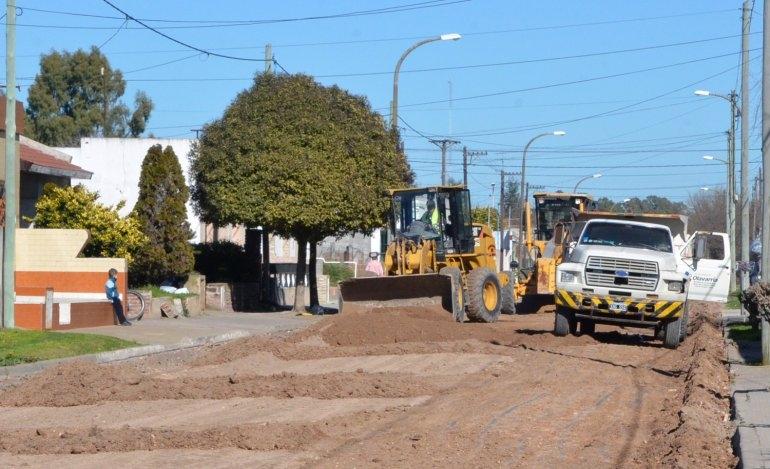 Comenzaron las obras de pavimentación en localidades