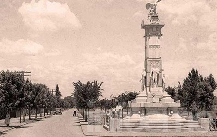 Evalúan dónde se podría reinstalar el mítico Monumento al Trabajo
