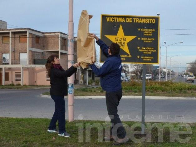 Estrellas Amarillas: nuevo cartel recuerda a seis víctimas de tránsito