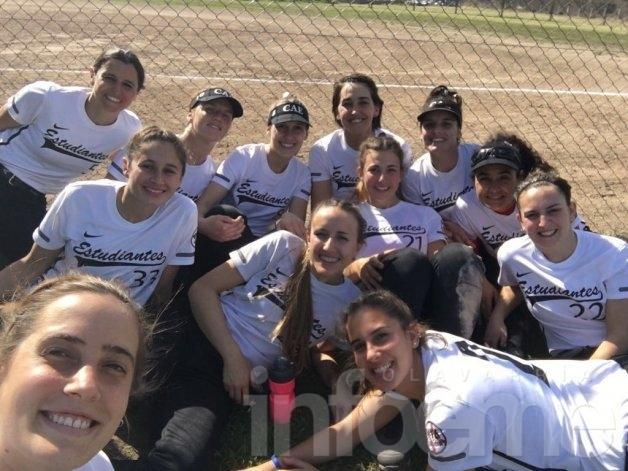 Las chicas de Estudiantes en semifinales de la Copa Río IV
