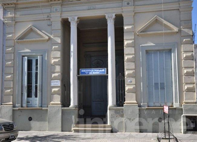 La biblioteca 1º de Mayo intenta mantener sus puertas abiertas