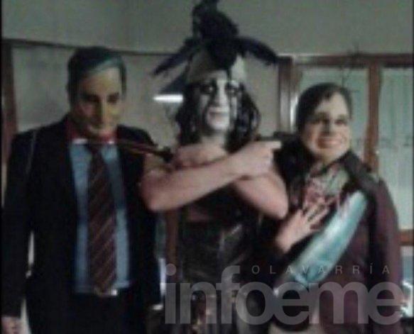 El funcionario de la polémica foto fue separado de su cargo