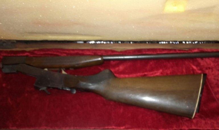Secuestran escopeta durante un allanamiento