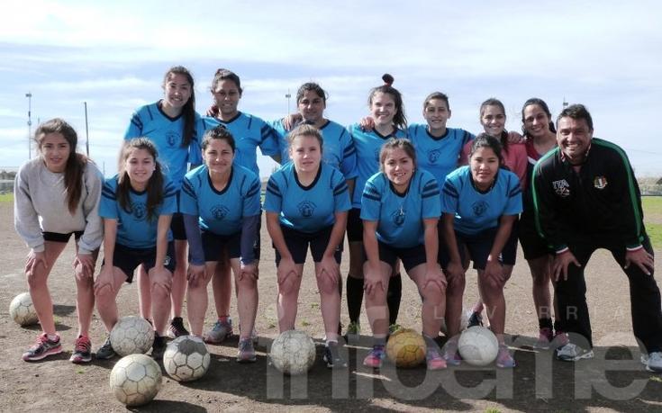 Fútbol: Las chicas jugarán un torneo en casa