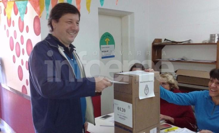 """Votó Guillermo Santellán: """"Es un día para festejar la democracia"""""""