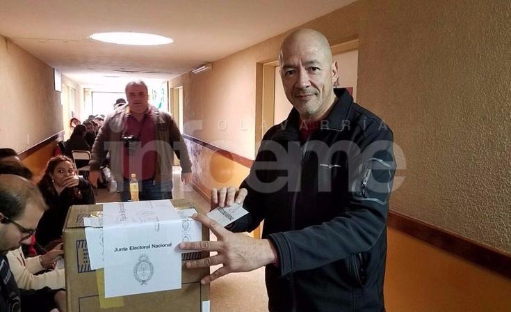"""Votó Eduardo Correa: """"Estamos muy optimistas, lo importante es que se vote"""""""