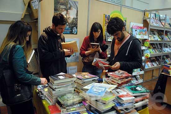 """Continúa la Muestra """"Libros en Olavarría"""""""
