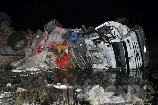 Olavarriense involucrado en un impactante accidente entre camiones