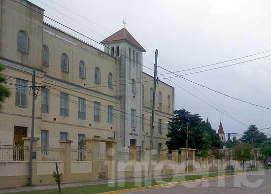 Estudian el estado del edificio del Colegio Santa Teresa