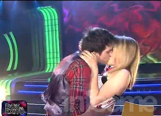 """Matías Acosta cantó """"Fue amor"""" de Fito Páez y cerró con un beso"""