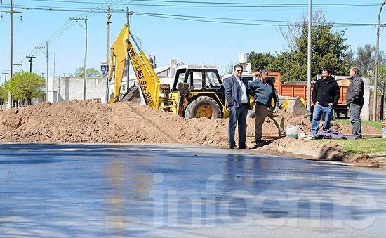 """Pavimentación en Loma Negra: se encuentra en """"más de 80% de ejecución"""""""