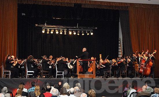 Loma Negra recibió a la Sinfónica a sala llena