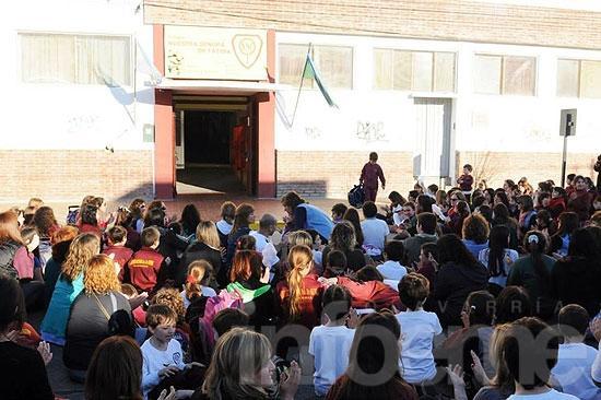 Padres y alumnos del Colegio Fátima volvieron a manifestarse