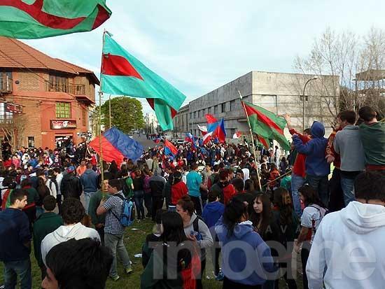 Los estudiantes coparon el parque y festejaron su día