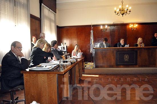 Acusan a otro policía en el juicio por torturas en la Primera