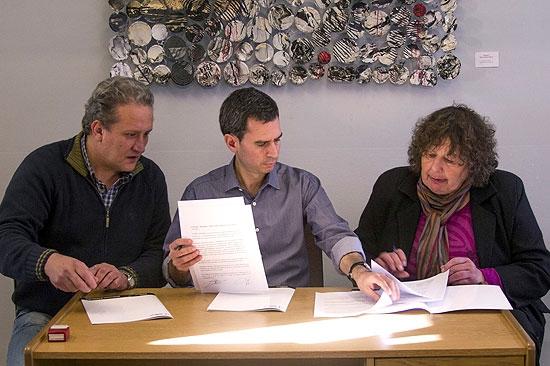 Firman ampliación de contratos para dos barrios de la Ciudad