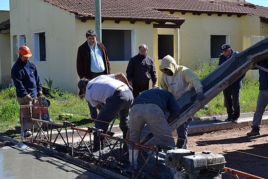 Comenzaron las obras de pavimentación en Barrio UOCRA