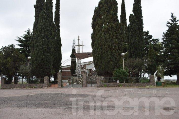 Estudiantes secundarios caminaron hasta La Virgen de la Loma