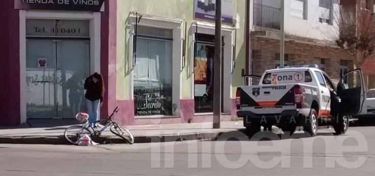 Ciclista con heridas graves tras choque con un auto