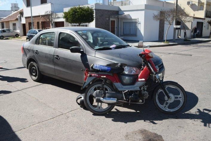 Un herido tras choque entre moto y auto
