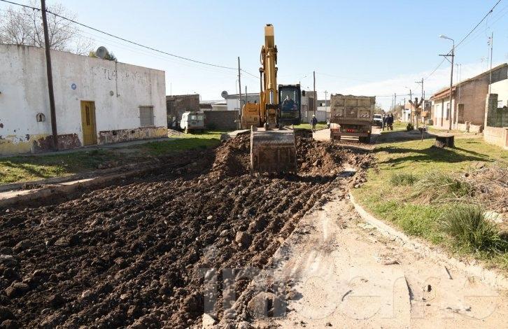 Comenzaron los trabajos de pavimentación en el barrio 12 de Octubre