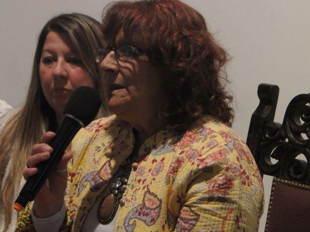 Emotivo homenaje a  María Manetti en Feria del Libro