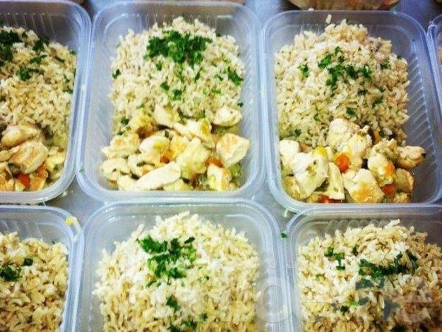 Advierten que el arroz y las papas a temperatura ambiente provocan intoxicaciones