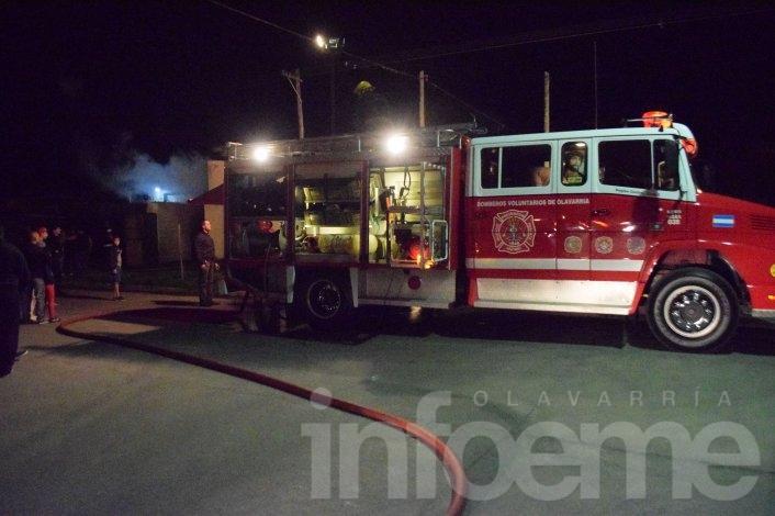 Un hombre fue hospitalizado tras el incendio de dos viviendas
