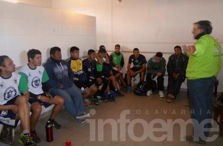 """""""Rayuela"""" capacitó a planteles de los clubes Sierra Chica y Embajadores"""