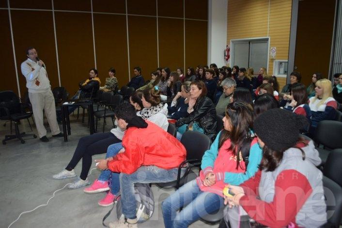 """""""Olavarría elige tecnología"""", convocó a cientos de jóvenes"""