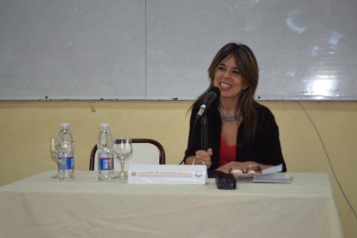 Nora Veiras estuvo en la FACSO