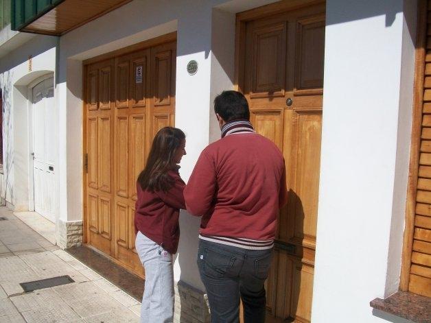 Estudiantes del Colegio Rosario en la colecta Más por Menos