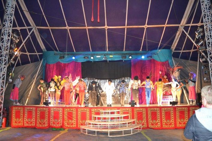 Últimos días del Circo Merlín en Olavarría
