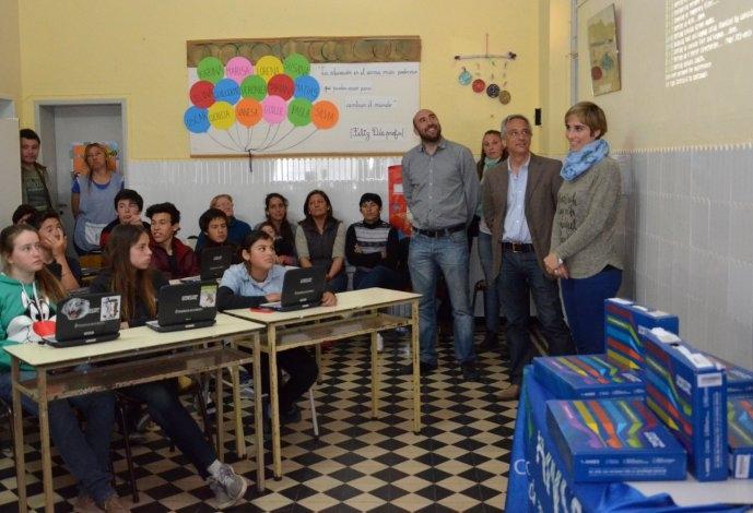 En Olavarría ya son 15 mil los estudiantes que tienen su netbook