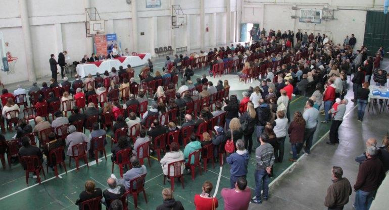 Se entregaron más de 200 escrituras de Casa de Tierras