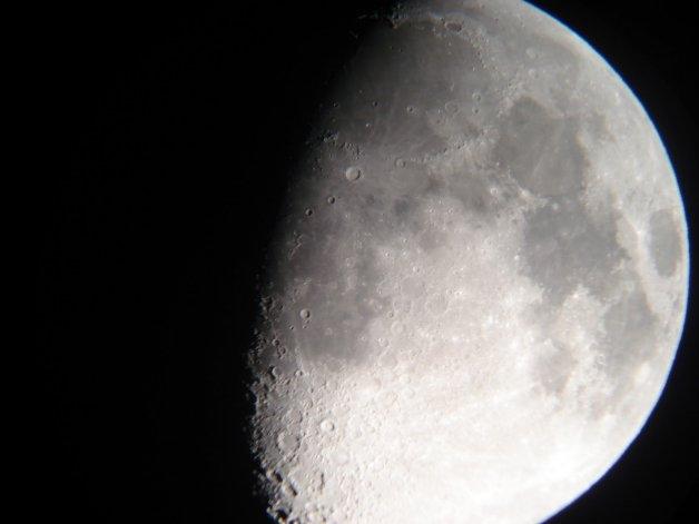 Todos a mirar la luna