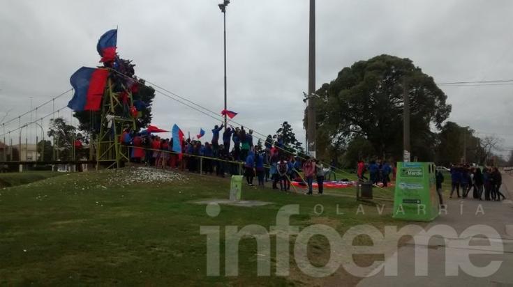 El clima empañó la celebración de los estudiantes