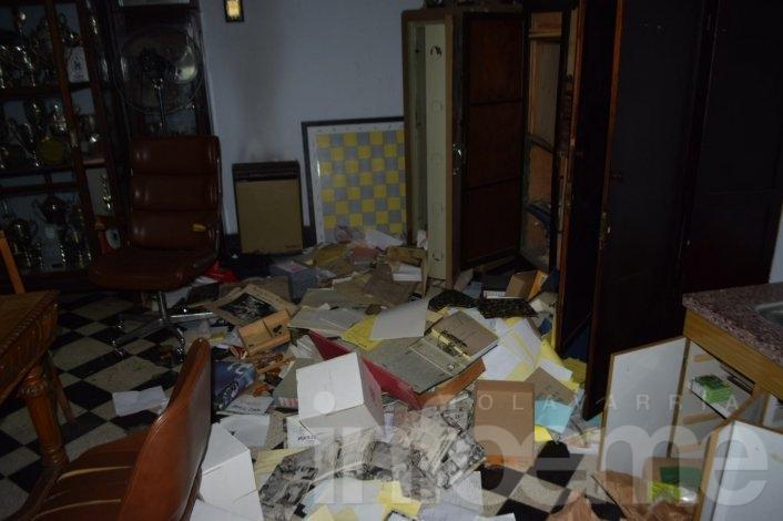 Otro duro golpe para Racing: robaron dinero y causaron destrozos en la Secretaría