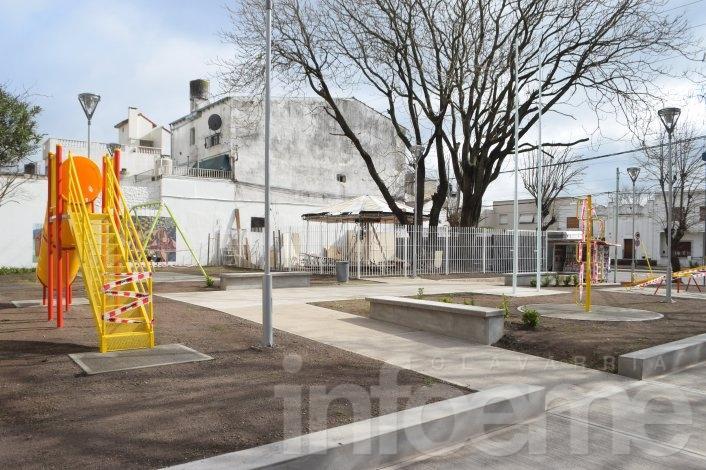 """""""Plaza de la Concordia"""" será el nombre de la Plaza de Rivadavia y Colón"""