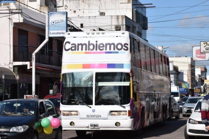 Caravana de Macri, Vidal y Galli por el centro de la ciudad