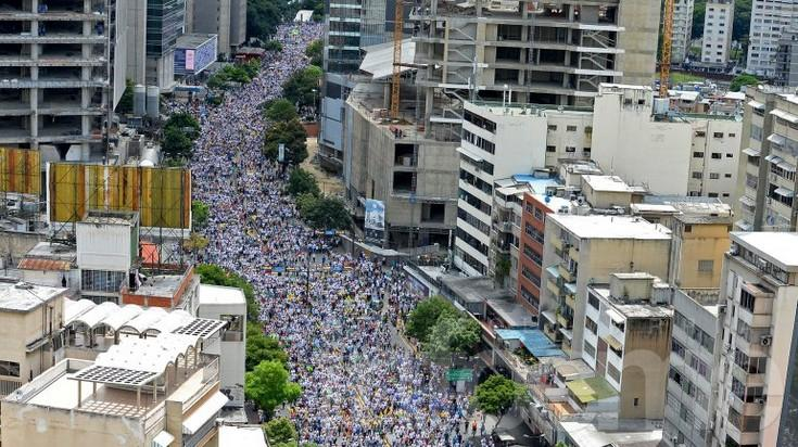 Venezuela: multitudinaria marcha contra Maduro