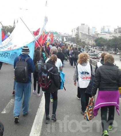 Olavarrienses en la Marcha Federal