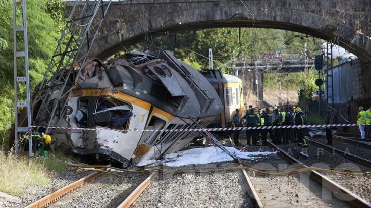 Descarriló tren en España: hay argentinos heridos