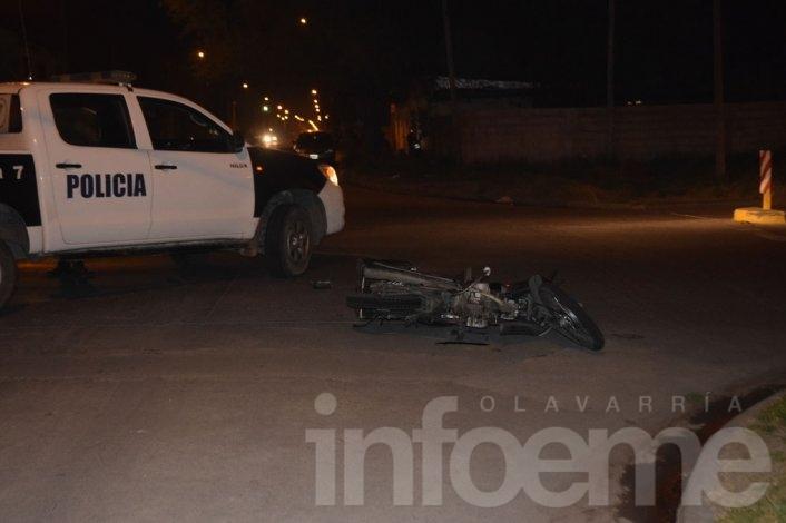 Motomandados herido tras chocar con un auto