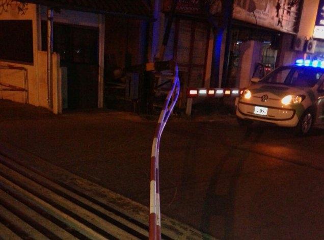 Un motociclista resultó herido al impactar contra barrera