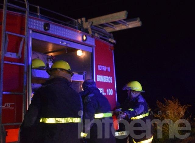 Bomberos trabajó por incendio de una vivienda