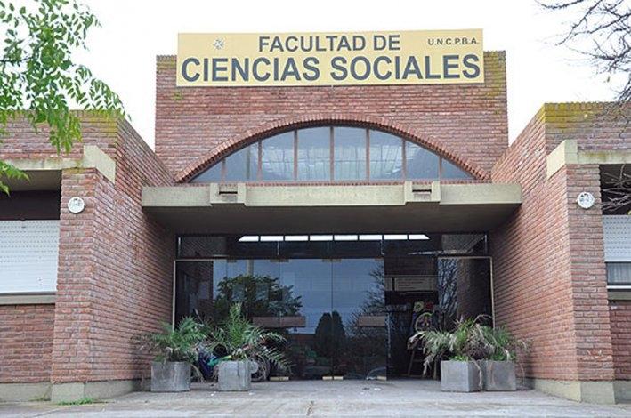 Ingeniería, Sociales  y Salud suspenden actividades