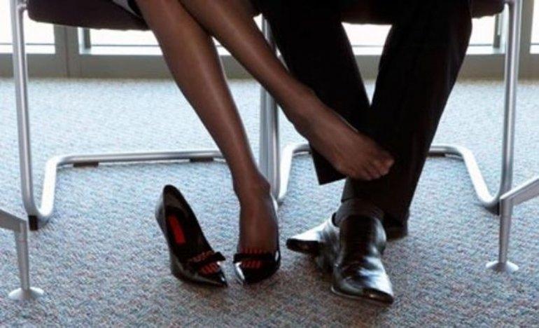 Amor en el trabajo: ¿te enamoraste de algún compañero?